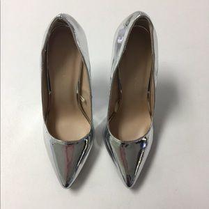 Wild Diva Shoes - Beautiful Metallic Heels!